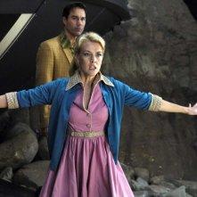 Eric McCormack e Jenni Baird in un'immagine del film Alien Trespass