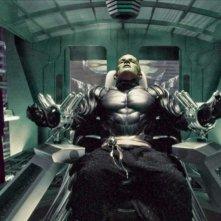 Eriko Tamura (Mai) e James Marsters (Lord Piccolo) in una scena del film Dragonball