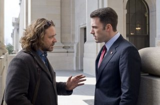 Russell Crowe e Ben Affleck in una scena del film State of Play
