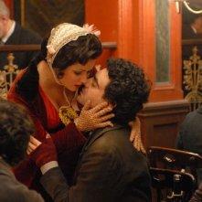 Le star Anna Netrebko e Rolando Villazón in un'immagine del film 'La Bohème'
