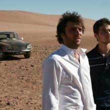 Adriano Giannini ed Emanuele Bosi vanno in cerca del padre che li ha abbandonati in La casa sulle nuvole