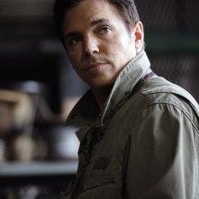 Nicholas Lea in una scena dell'episodio 'Equilibri Precari' della seconda stagione della serie Kyle XY