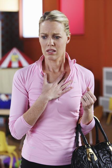 Jessica St Clair Nell Episodio It Takes A Village Idiot Di In The Motherhood 110695