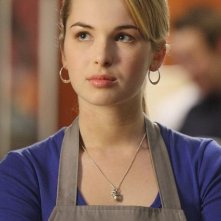 Kirsten Prout in una scena dell'episodio 'Between the Rack and a Hard Place' della serie tv Kyle XY