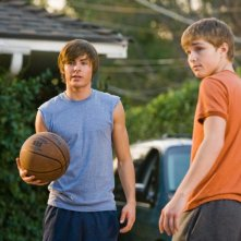 Zac Efron e Sterling Knight in un'immagine del film 17 Again - Ritorno al Liceo