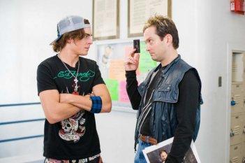 Zac Efron e Thomas Lennon in una scena del film 17 Again - Ritorno al Liceo
