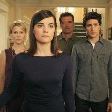 In primo piano Jaimie Alexander, alle sue spalle: Matt Dallas, Bruce Thomas e Marguerite MacIntyre nell'episodio 'Hello...' della serie tv Kyle XY