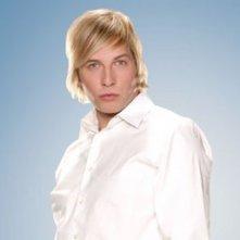 Una foto promozionale di Ryan Hansen per la serie TV Party Down