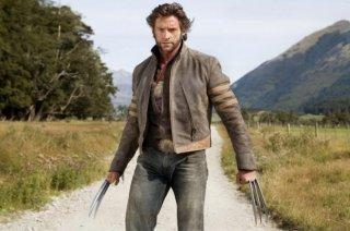 Hugh Jackman solo in mezzo alla campagna in una scena di X-Men - Le origini: Wolverine