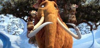 Il mammouth Ellie in dolce attesa insieme ai pestiferi Crash ed Eddie in L'era glaciale 3 - L'alba dei dinosauri