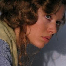 Sarah Felberbaum in una scena del film TV Mal'Aria