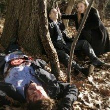 Anna Torv, Kirk Acevedo in una scena dell'episodio Unleashed di Fringe