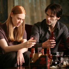 True Blood: Deborah Ann Woll  e Stephen Moyer in una immagine della seconda stagione della serie
