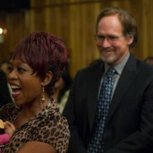 Alfre Woodard e Will Patton in una scena del film American Violet