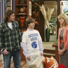 Jason Earles, Billy Ray Cyrus e Cheryl Hines nell'episodi What I Don't Like About You di Hannah Montana