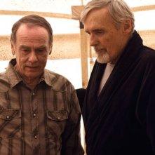 Dennis Hopper, Dean Stockwell nell'episodio 'Los Muertos' della serie tv Crash