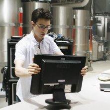 Josh Zuckerman in un momento dell'episodio Bringing Down the House della terza stagione di Kyle XY