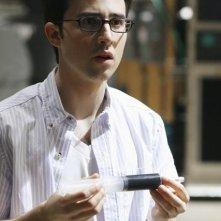Josh Zuckerman in una scena dell'episodio Bringing Down the House della terza stagione di Kyle XY