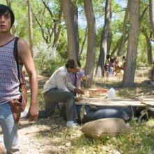 Luis Chavez in una scena dell'episodio 'Three Men and a Bebe' della serie Crash
