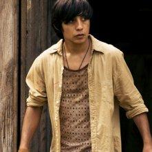 Luis Chavez nel ruolo di Cesar in un momento dell'episodio 'Panico' della serie tv Crash