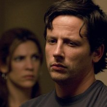 Ross McCall in un momento dell'episodio 'Your ass belongs to the Gypsies' della serie tv Crash