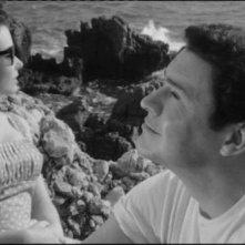 Susan Strasberg e Ronald Lewis in una scena de La casa del terrore