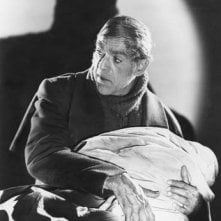 Boris Karloff nel film La iena