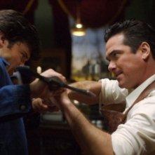 Dean Cain  con Tom Welling in una scena concitata nell'episodio ' Il prezzo dell'immortalità' della settima stagione di Smallville