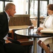 Dominic Purcell e Kathleen Quinlan in una scena dell'episodio The Mother Lode di Prison Break