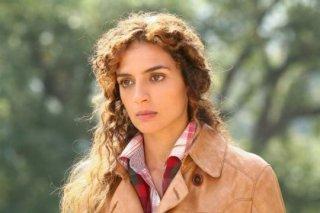 Gioia Spaziani nel ruolo di Barbara nella fiction Al di là del lago