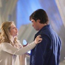 Helen Slater e Tom Welling  in una scena dell'episodio ' L'anello Blu ' della settima stagione di Smallville