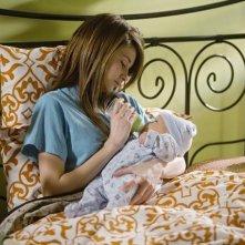 Shailene Woodley in una scena dell'episodio And Unto Us, a Child Is Born di La vita segreta di una teenager americana