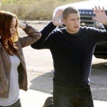 Wentworth Miller e Sarah Wayne Callies nell'episodio Vs. di Prison Break