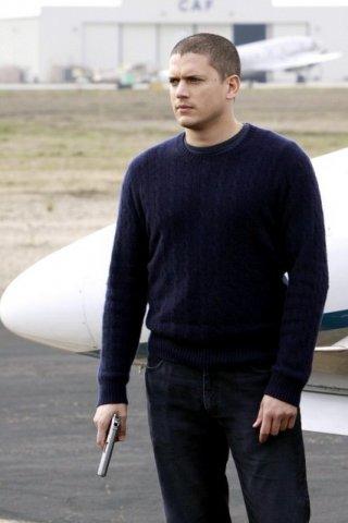 Wentworth Miller in una scena dell'episodio Vs. di Prison Break
