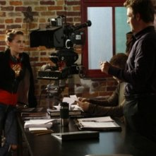Bethany Joy Galeotti e James Van Der Beek sul set dell'episodio Screenwriter's Blues di One Tree Hill