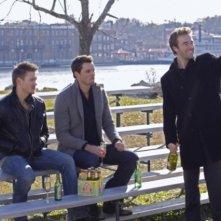 Chad Michael Murray, Austin Nichols e James Van Der Beek in una scena dell'episodio Searching for a Former Clarity di One Tree Hill