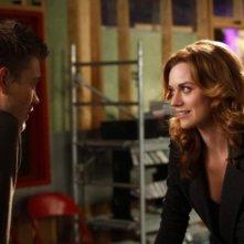Chad Michael Murray e Hilarie Burton in una scena dell'episodio Screenwriter's Blues di One Tree Hill