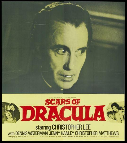 Christopher Lee In Una Lobbycard De Il Marchio Di Dracula 113080
