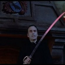 Christopher Lee in una scena de Il marchio di Dracula
