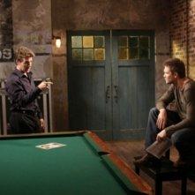 James Van Der Beek e Chad Michael Murray in una scena dell'episodio Screenwriter's Blues di One Tree Hill