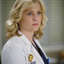 Jessica Capshaw in una scena dell'episodio Sweet Surrender di Grey's Anatomy