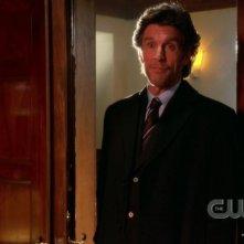 John Glover nell'episodio 'La fondazione Isis' della settima stagione di Smallville