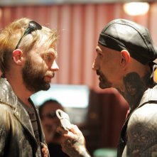 Robert LaSardo in una scena del serial The Cleaner