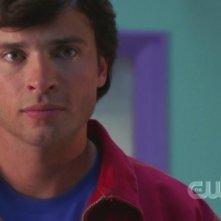 Tom Welling nella premiere della settima stagione di Smallville: Il sole giallo