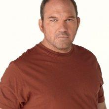 Wade Williams in una immagine promo della terza stagione di Prison Break