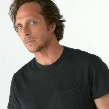 William Fichtner in una immagine promo della terza stagione di Prison Break