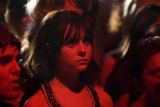 Alessandra Toreson in una scena del pilot della serie 'Caprica'