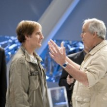 Chevy Chase insieme a Scott Bakula in una scena dell'episodio 'Chuck Versus the Dream Job' della serie tv Chuck