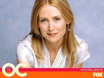 Wallpaper: Kelly Rowan è Kirsten nella serie The O.C.