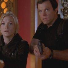 Yvonne Strahorvski e Adam Baldwin, nell'episodio 'Chuck Versus the Sensei ' della serie televisiva Chuck